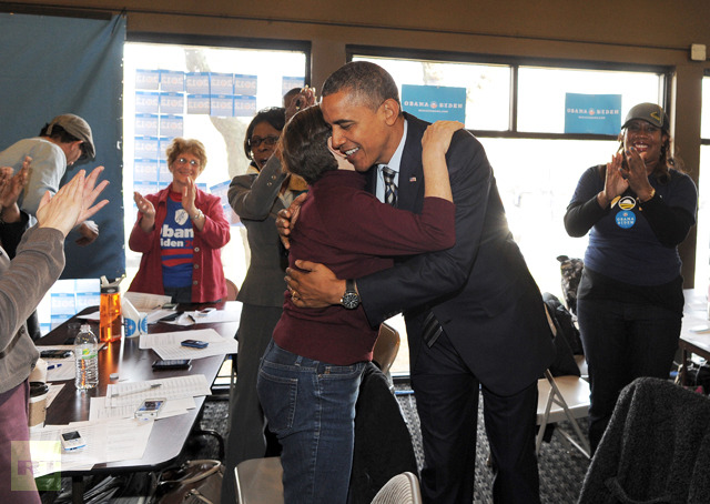 us-president-obama-greets.jpg